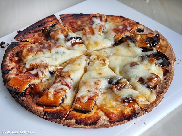 unagi pizza