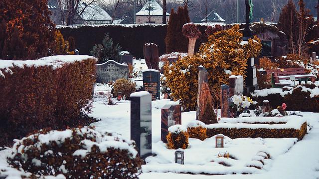 /- Graveyard