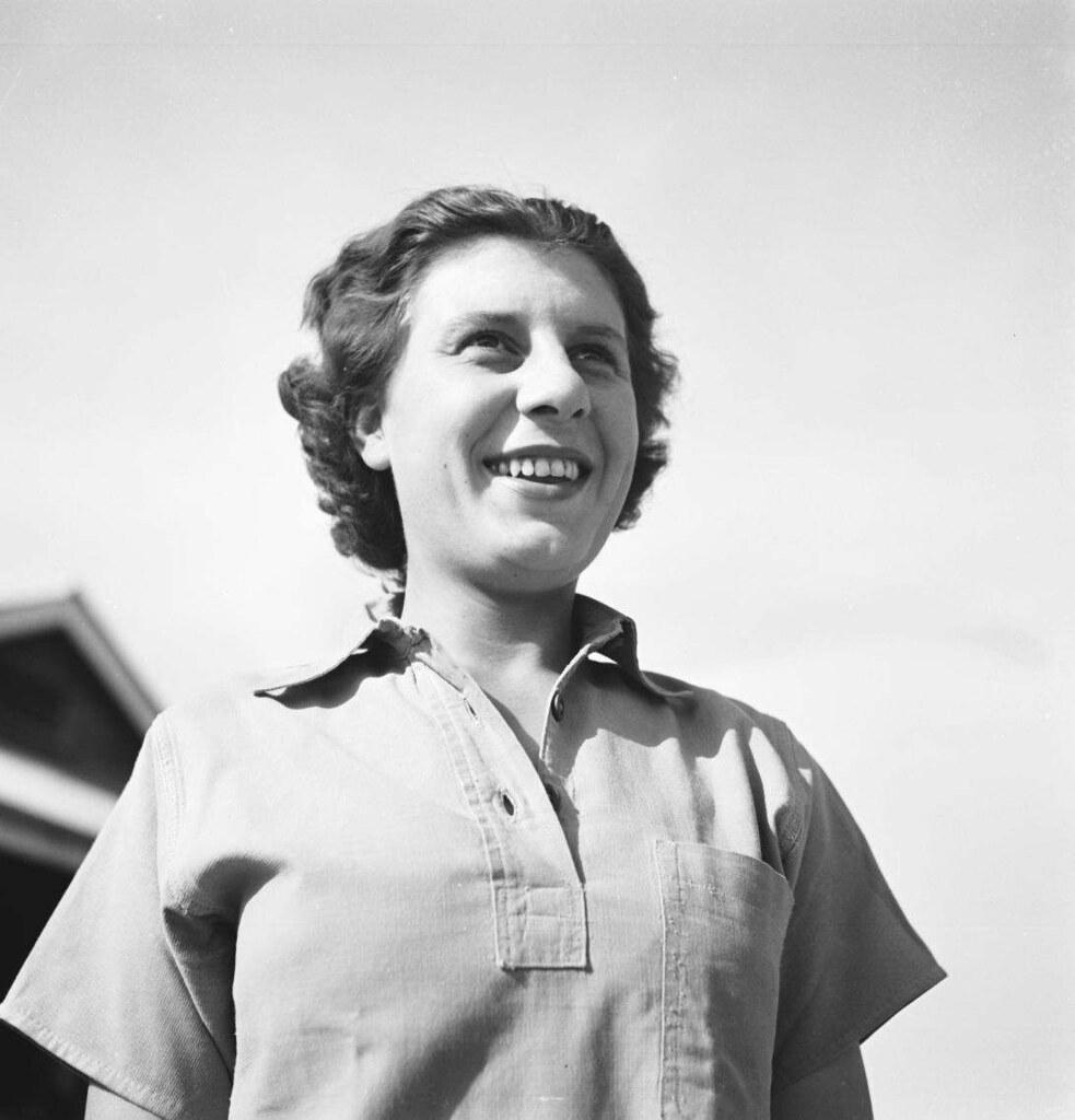 08. 1942. Вспомогательный женский корпус (7)