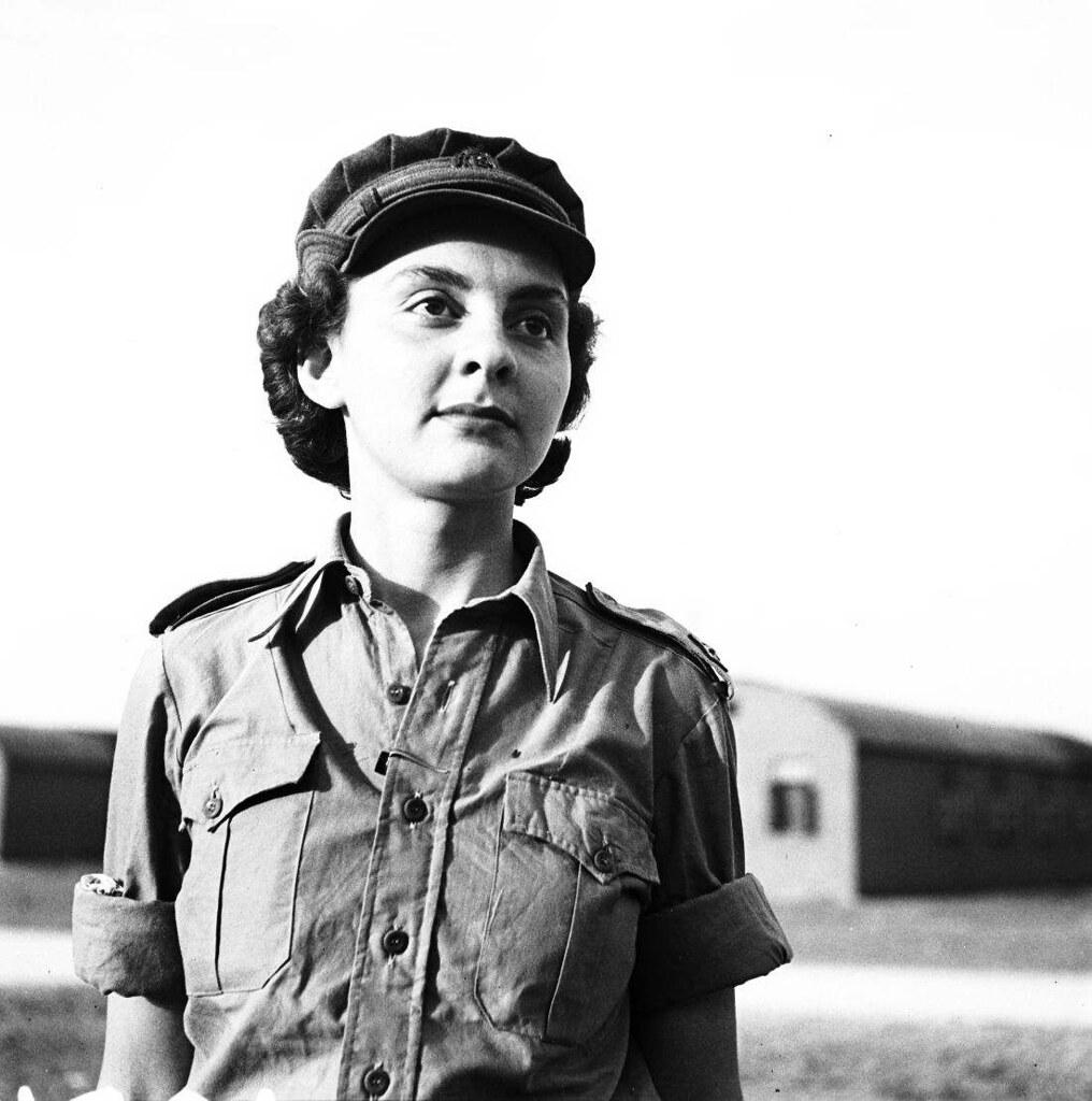 01. 1942. Вспомогательный женский корпус (1)