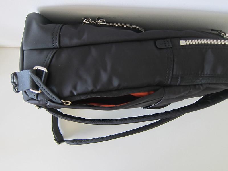 Targus 15 Inch Newport Backpack - Side Pocket