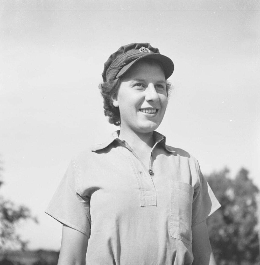 03. 1942. Вспомогательный женский корпус (6)