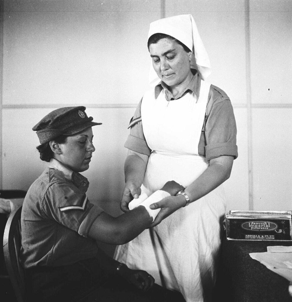 18. 1942. Вспомогательный женский корпус. В больнице
