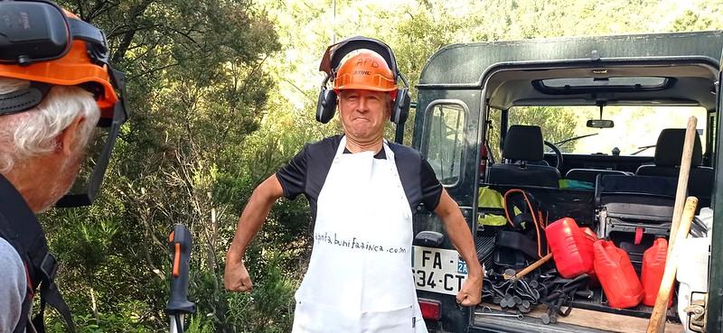 Au départ du pont de la Figa Bona : le nouveau tablier de débroussailleur de Patrice