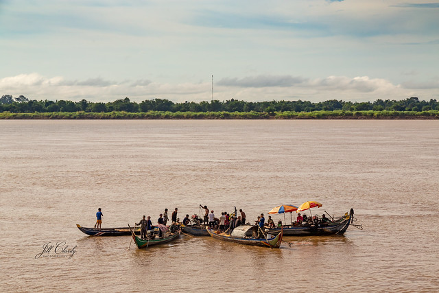 Armchair Traveling - Life On The Mekong River