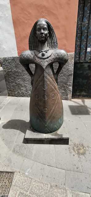 monumento escultura de Arminda 2007 escultor Diego Higueras Gáldar isla de Gran Canaria