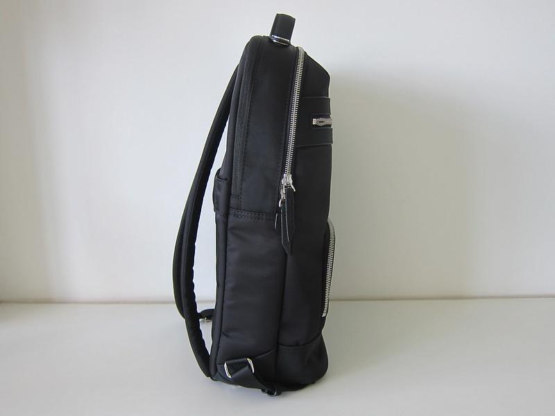 Targus 15 Inch Newport Backpack - Side