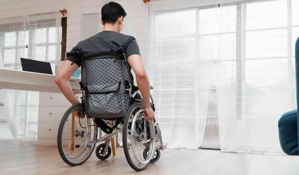 les-exosquelettes-aident-les-personnes-atteintes-de-SEP