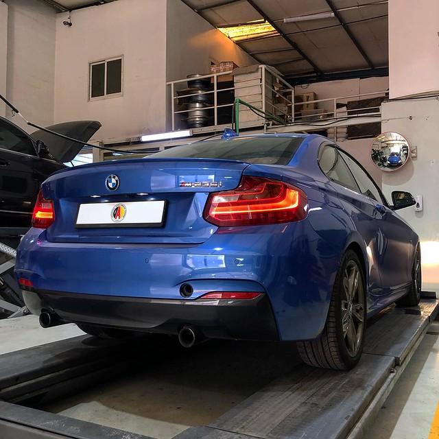 BMW M235i at DAS Center