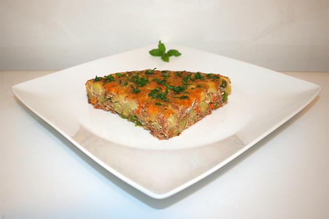 46 - Corned Beef Frittata -  Side view / Seitenansicht