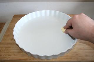 37 - Grease casserole / Auflaufform ausfetten