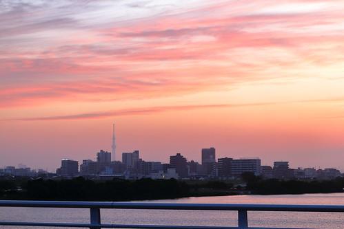 chiba japan tokyo edoriver sunset tokyoskytree skytree sky clouds magichour water city weather