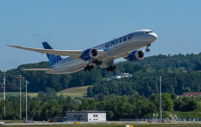 ZRH/SZH: UnitedAirlines / Boeing 787-9 Dreamliner / N29977