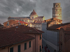 Cielo tempestoso sulla Torre di Pisa -Stormy sky over the Leaning Tower of Pisa