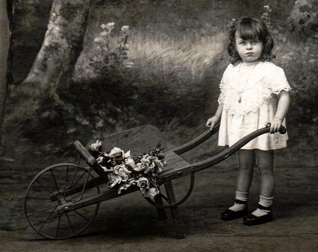 Septembre 1921 - Ma mère à 3 ans - 1921-09 Fabre Geneviève my mother 3 years