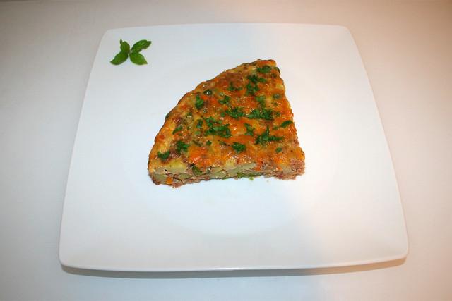 45 - Corned Beef Frittata -  Served / Serviert
