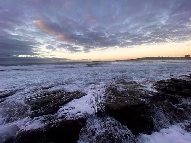 Narrabeen beach waves
