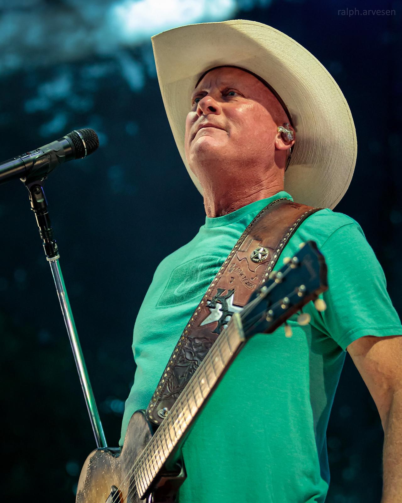 Kevin Fowler | Texas Review | Ralph Arvesen