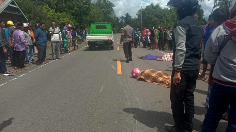 Ban Motor Pecah, 3 Orang Sekeluarga Tewas Ditabrak Minibus