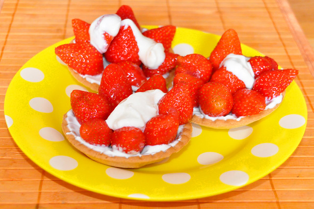 Juni 2021 ... Erdbeertartelettes ... Brigitte Stolle