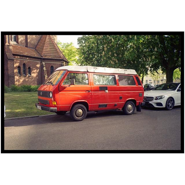 Red Van 1/3