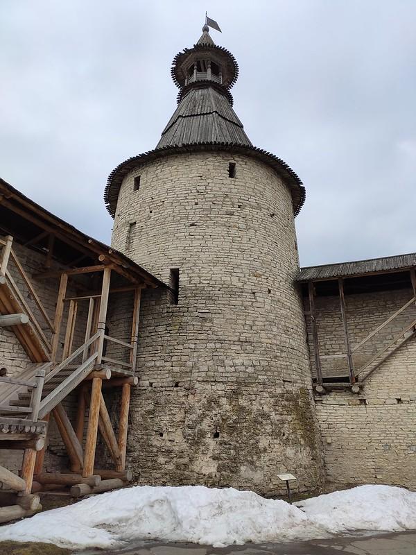 Псковский кремль (Кром) - Башня в Кутекрома