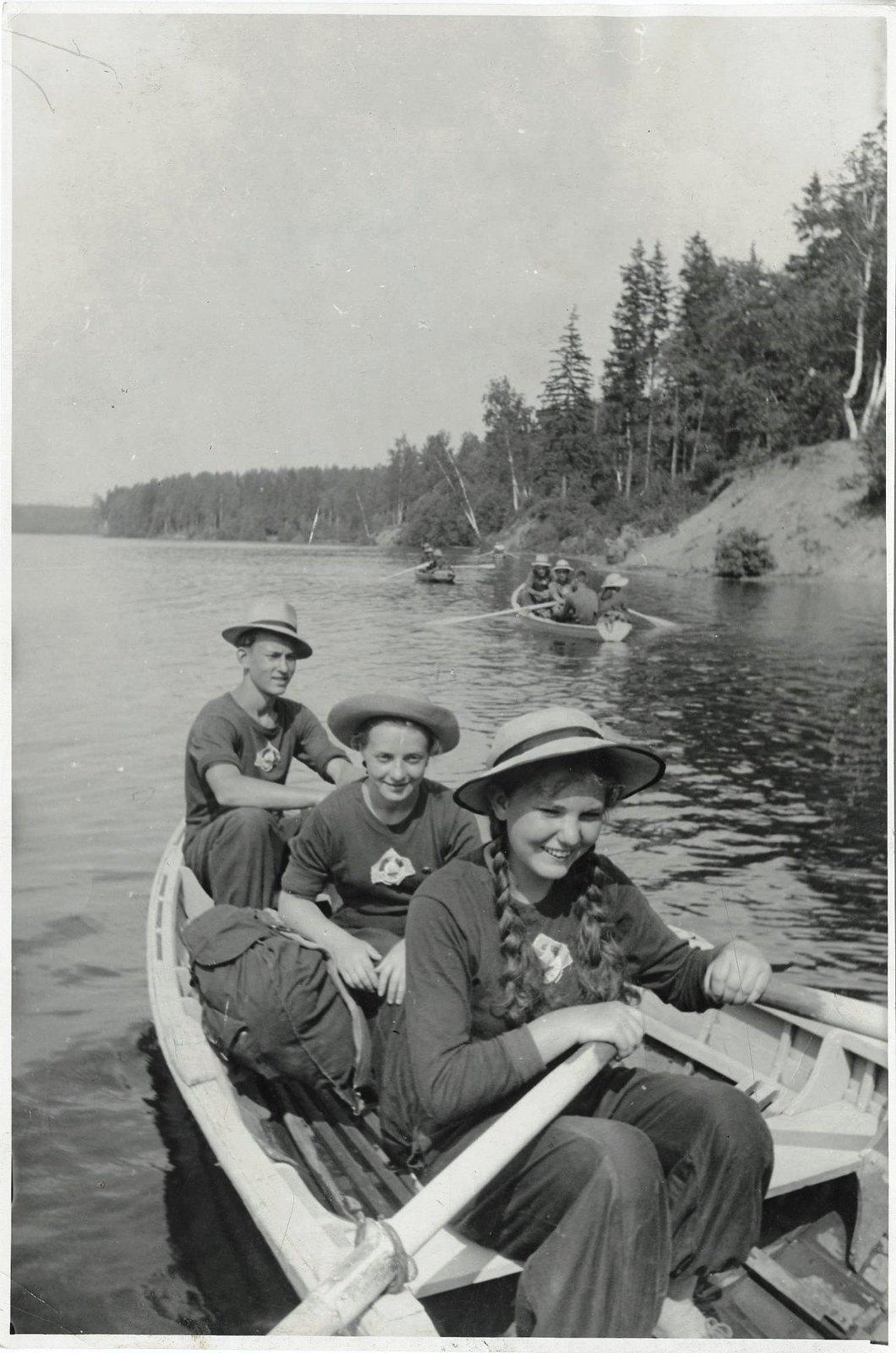 1952-1954. Детский туризм. На Химкинском водохранилище