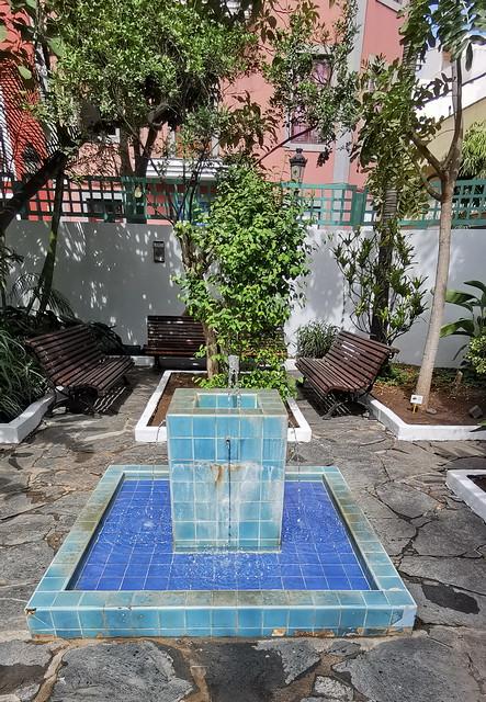 fuente jardin interior de Casa Museo Antonio Padrón Gáldar Gran Canaria