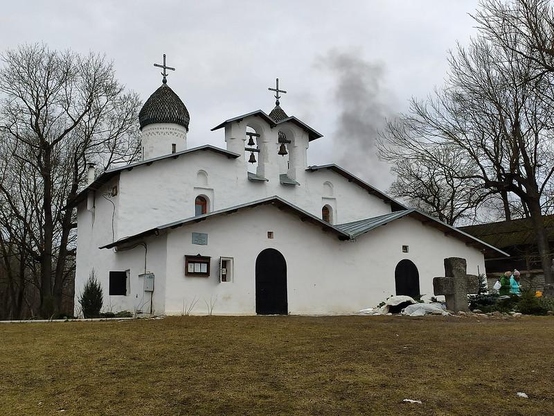 Псков - Церковь Покрова и Рождества от Пролома