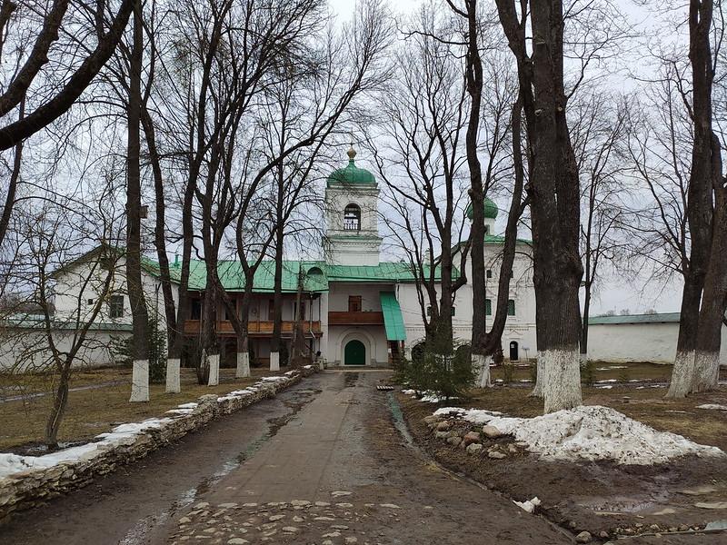 Псков -  Спасо-Преображенский Мирожский монастырь