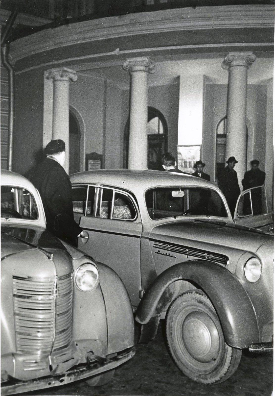 1950-е. Автомобили «Москвич»