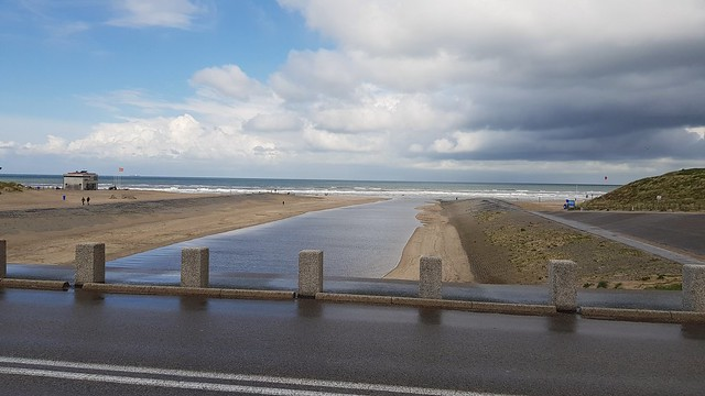The river is going into the sea