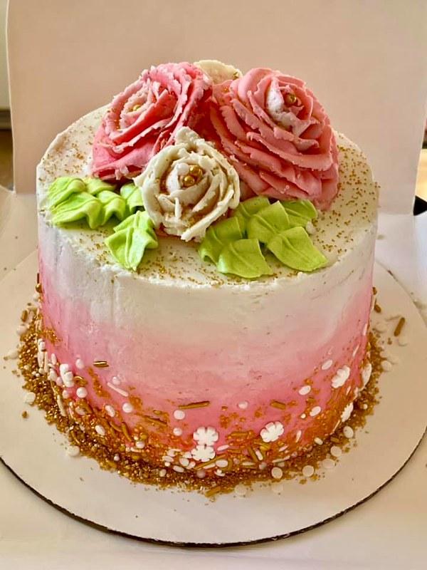 Cake by Kiki's Eats&Treats