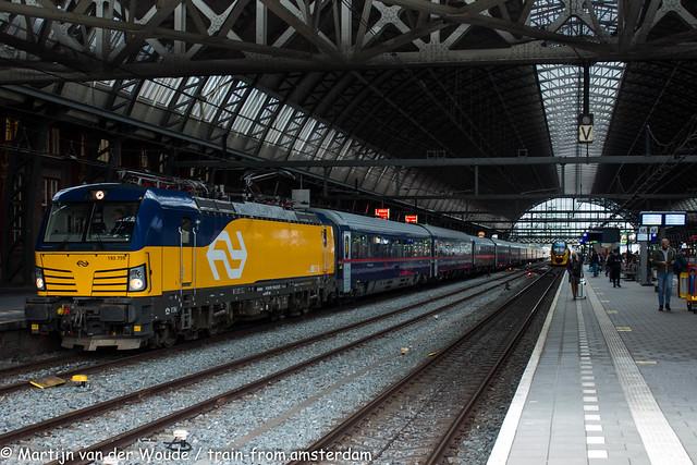 20210525_NL_Amsterdam-Centraal_NS International 193 759 with Nightjet 40421
