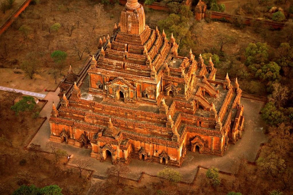 MYANMAR, Burma - Ballonfahrt  früh morgens über das historische Bagan, 78351/13726