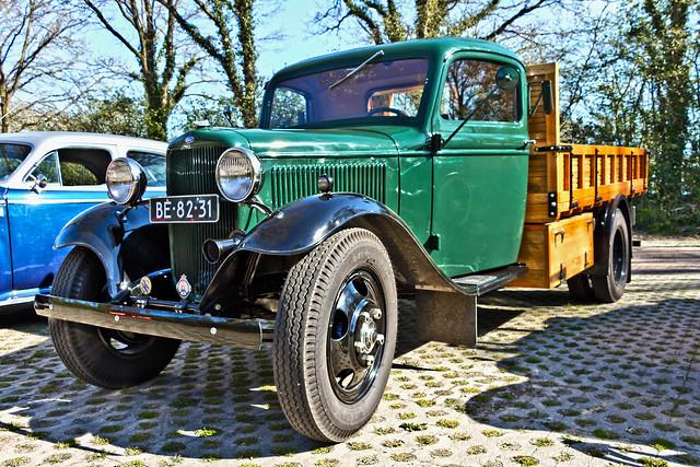 Ford Model BB Truck 1936 (2048)