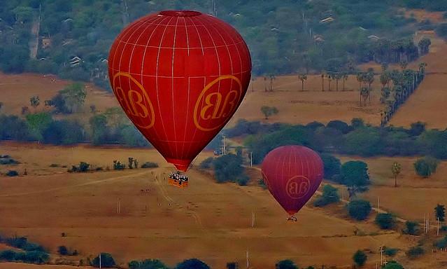 MYANMAR, Burma - Ballonfahrt  früh morgens über das historische Bagan,78350/13725