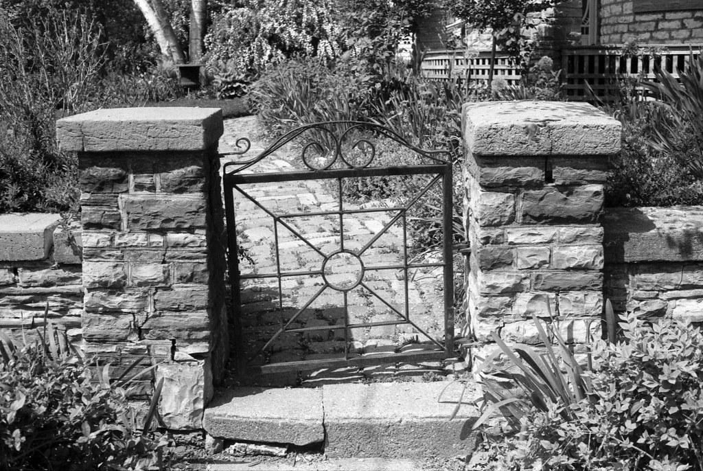 Kew Gardens Garinder Cottage Gate_