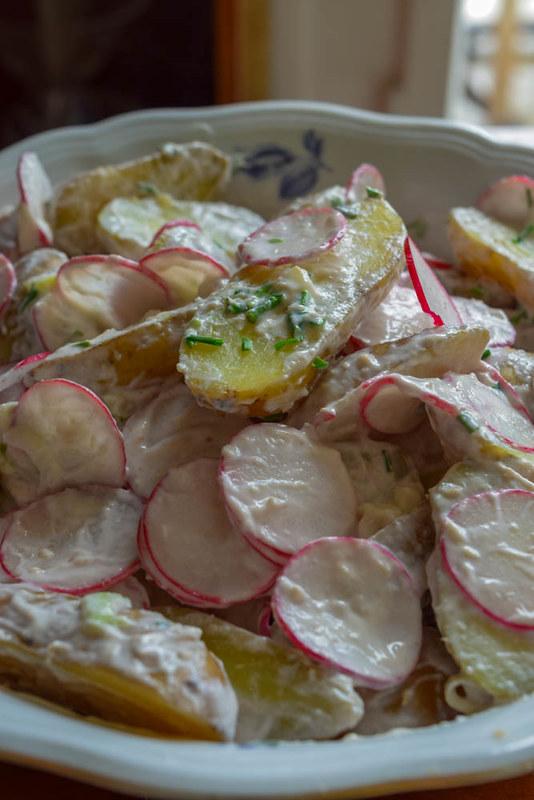 Salade de pommes de terre nouvelles et radis  sauce  au raifort 1