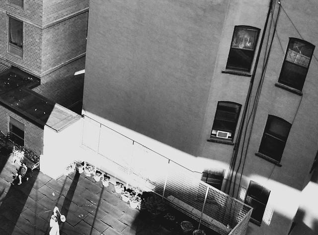 Rooftop badminton from Manhattan Bridge