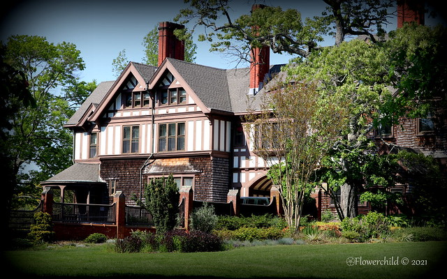 Bayard Cutting Arboretum - The House