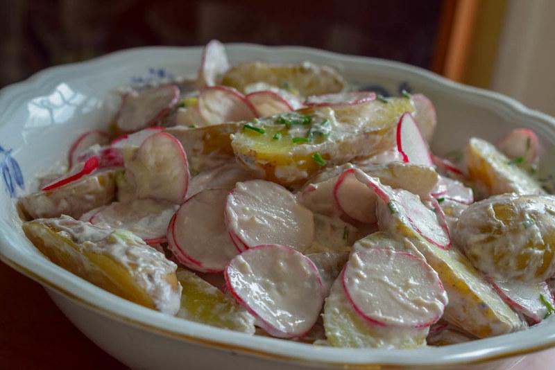 Salade de pommes de terre nouvelles et radis  sauce  au raifort 2