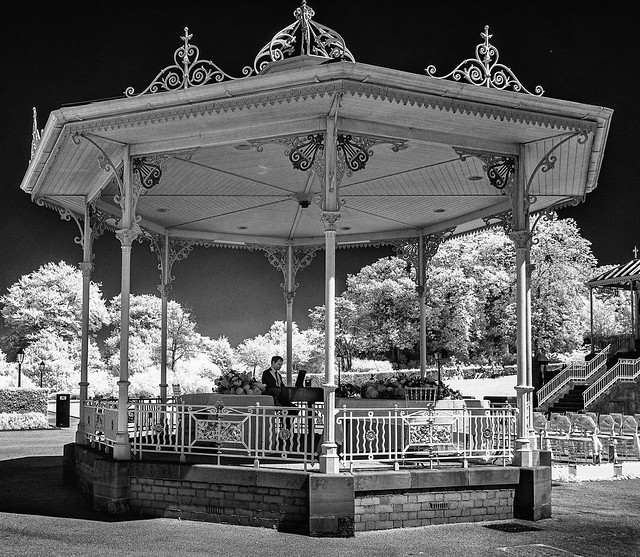 Bandstand Pianist