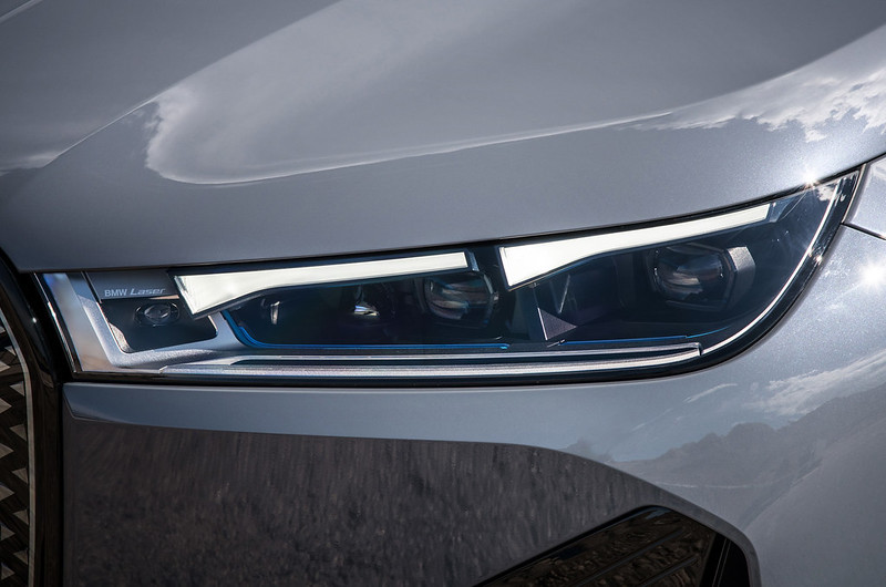 2022-BMW-ix-xDrive50-55