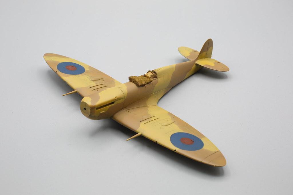 Spitfire mk.Vb Trop tamiya 1/48 cocardes peintes.