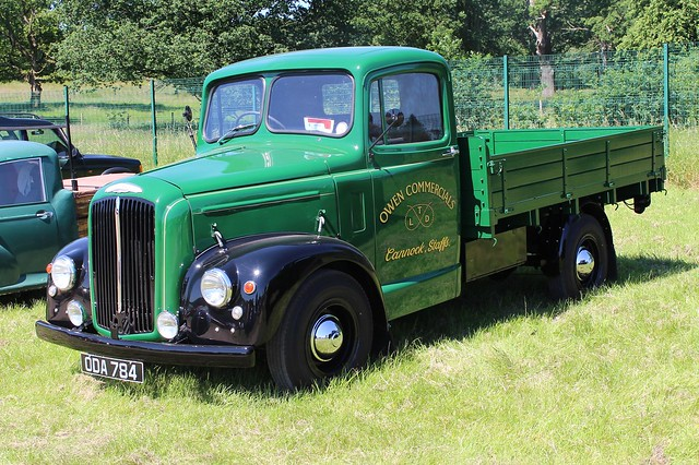 187 Morris Commercial LC4 Truck (1955) ODA 784