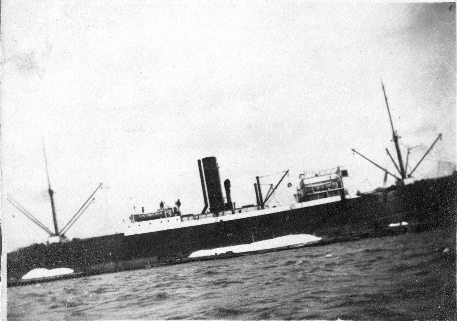 1910. Пароход