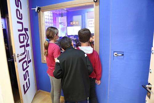 Fem ràdio, fem comunitat a l'Escola Isabel de Villena. Curs 2020/21.