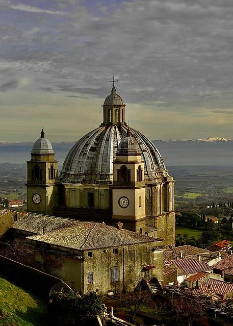 il duomo di montefiascone, italia (explore on june 2 in 2021)
