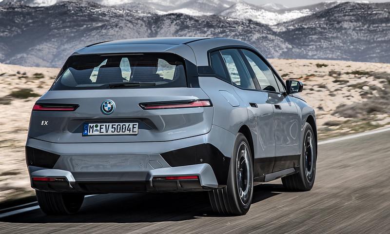 2022-BMW-ix-xDrive50-20